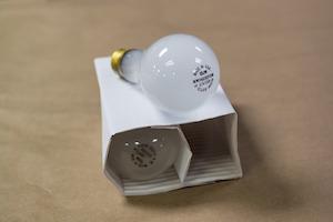 Fixed Mindset -v- Growth mindset photo of light bulbs