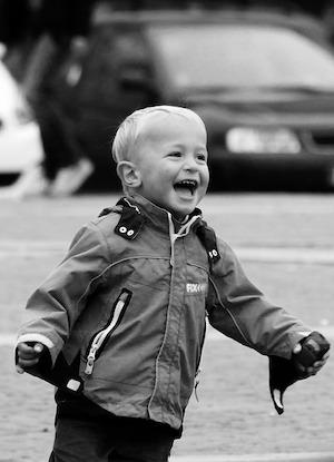 Fixed Mindset -v- Growth mindset: photo of toddler laughing