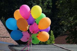 How to talk to strangers - photo of balloons